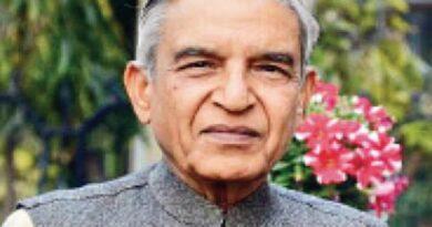 Senior Congress leader Pawan Kumar Bansal is supporting the farmer ..