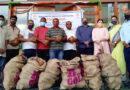 विश्व नारियल दिवस के अवसर पर धर्मार्थ संगठनों कोसूर्यदत्ताफूड बैंक की ओर से नारियल का दान